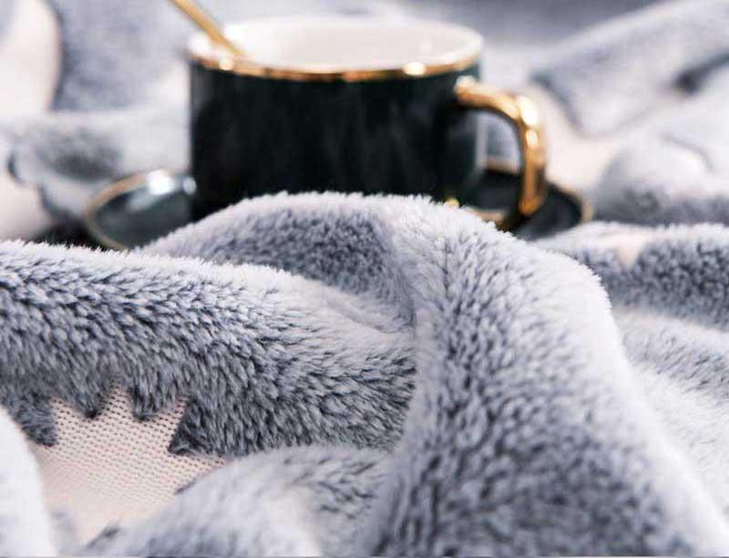Forestar Glow in Dark Fluffy Plush Furry Throw Blanket Soft Thermal Blanket